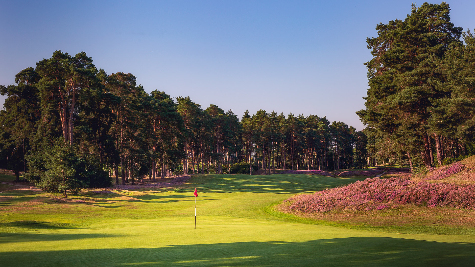 17th-Hole-St-Georges-Hill-Golf-Club-2400-Edit