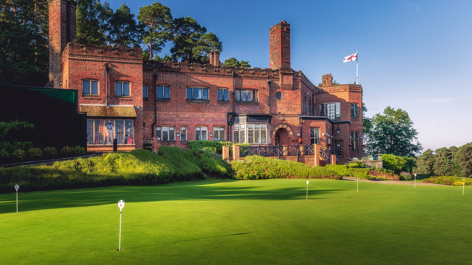 Clubhouse-St-Georges-Hill-Golf-Club-1278-Edit-2